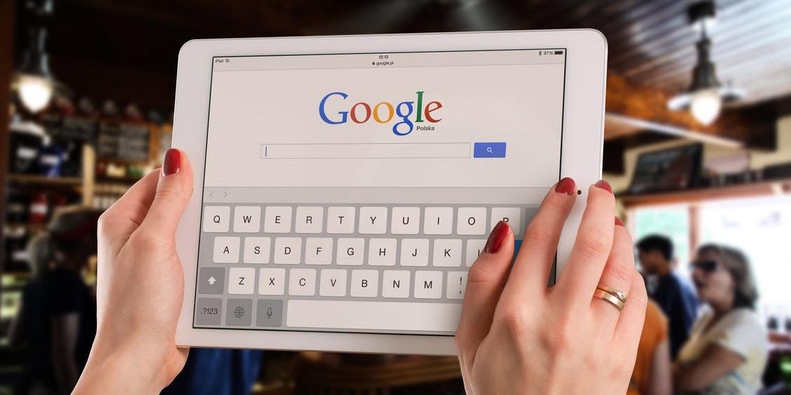 Kako izkušnjo zaposlenih izboljšujeta GSK in Google?
